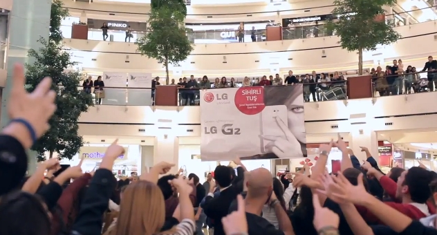 lg-g2_flash-mob_istinye-park_no-comment_alternative-marketing-13
